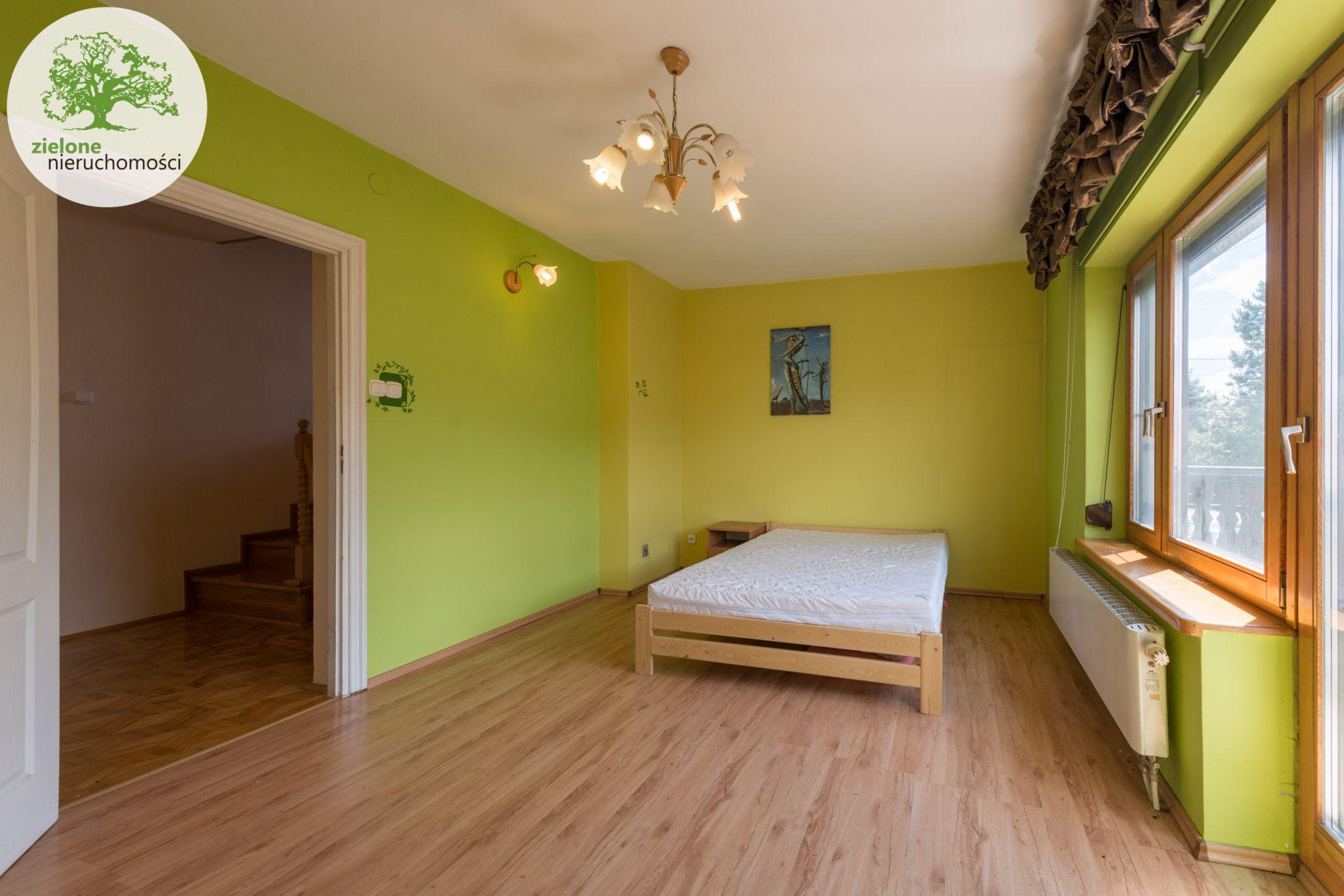Zdjęcie 1012 pokoi, dom dla dużej rodziny lub na firmę