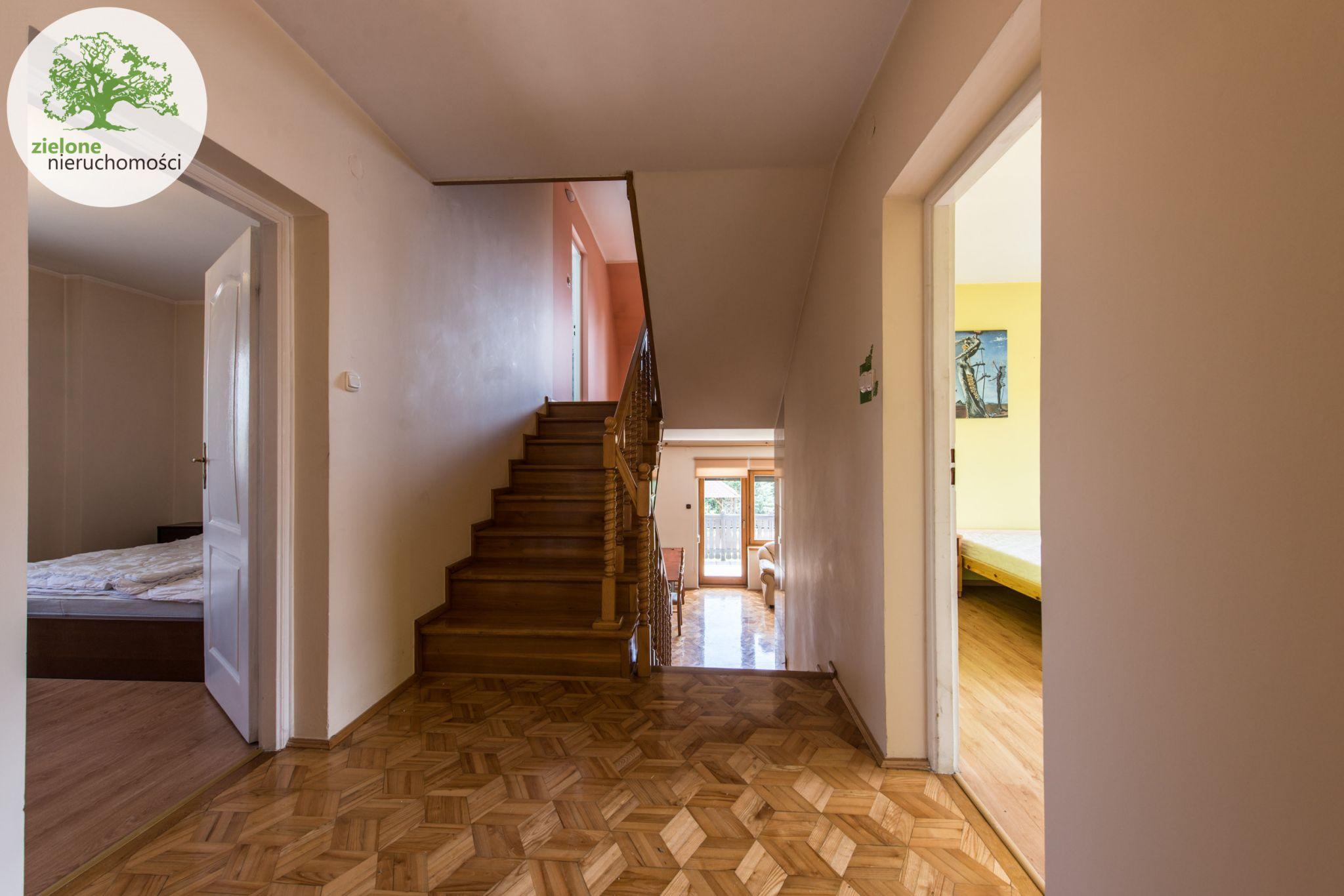 Zdjęcie 1412 pokoi, dom dla dużej rodziny lub na firmę