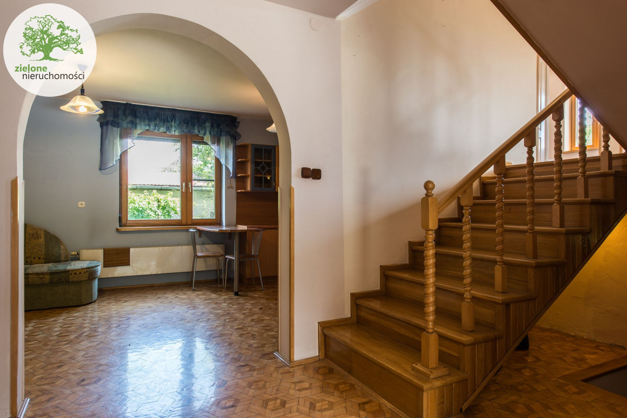 Zdjęcie 212 pokoi, dom dla dużej rodziny lub na firmę