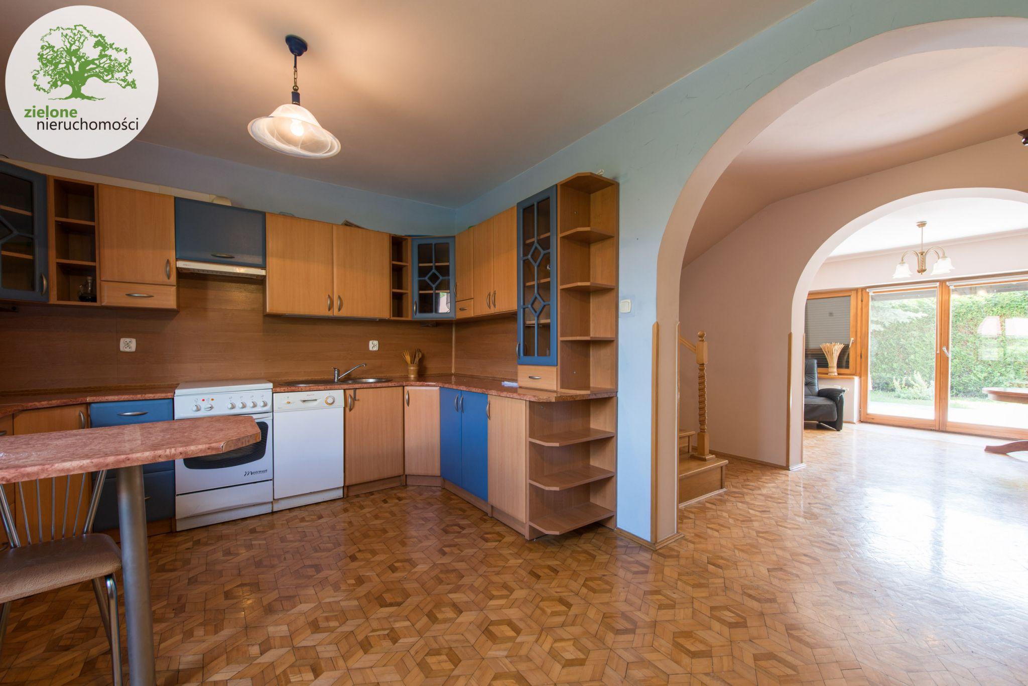 Zdjęcie 512 pokoi, dom dla dużej rodziny lub na firmę
