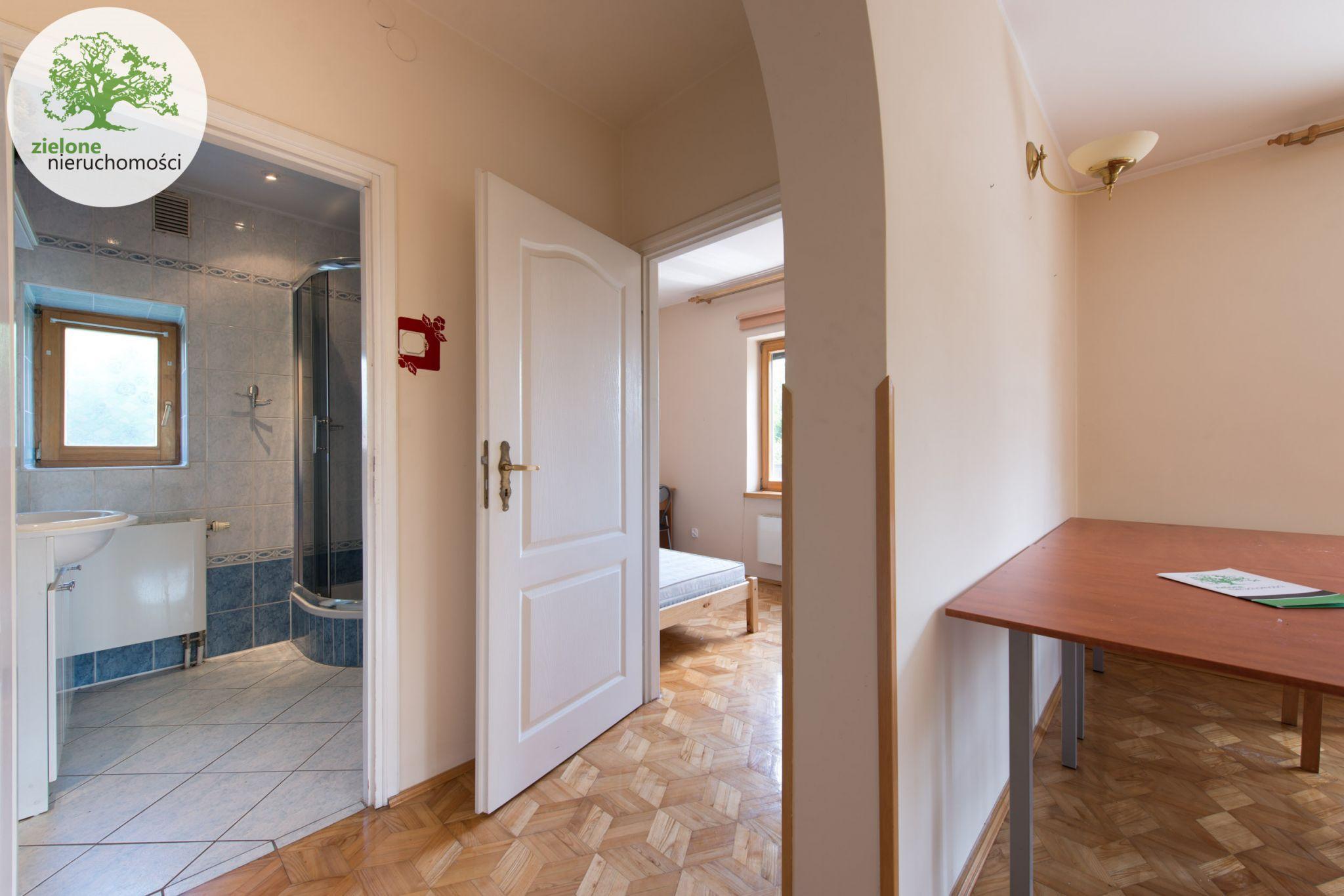 Zdjęcie 612 pokoi, dom dla dużej rodziny lub na firmę