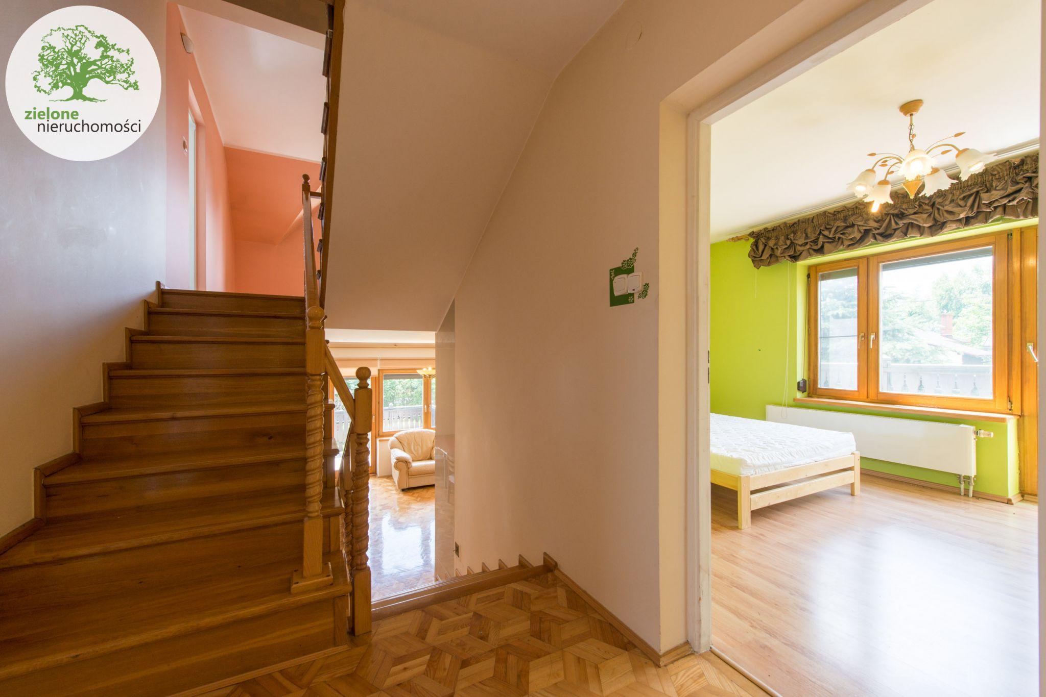 Zdjęcie 812 pokoi, dom dla dużej rodziny lub na firmę